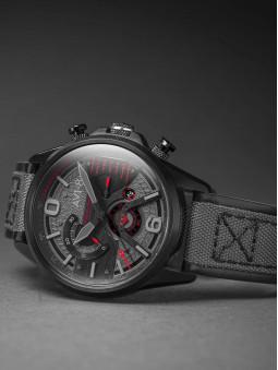 Vue posée, montre Avi-8 Stealth Black Chronographe AV-4056-05
