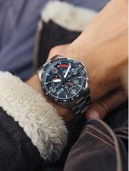 Montre au poignet, homme, marque Avi-8 Legion, reference AV-4077-11, couleur gris acier noir et rouge