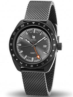 Lip propose ce modèle de montre Marinier entièrement noire. Double fuseau horaire. Étanche à 200 mètres.