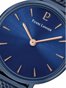 Zoom sur la montre bleue Pierre Lannier 015J966
