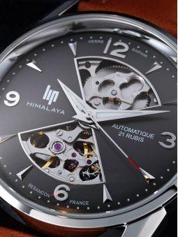 Zoom sur la montre homme LIP HIMALAYA coeur battant automatique 671572
