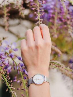 Montre femme Go bracelet milanais boite argentée
